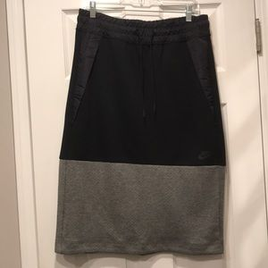 Nike pull on skirt, size medium